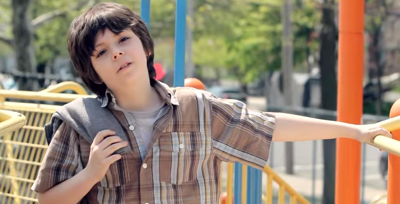 Részlet a Tighten Up című videoklipből