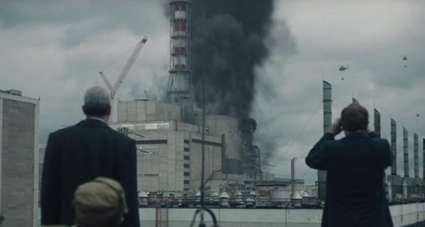 Boris Shcherbina (Stellan Skarsgård) és Valery Legasov (Jared Harris) a katasztrófa utáni napokban