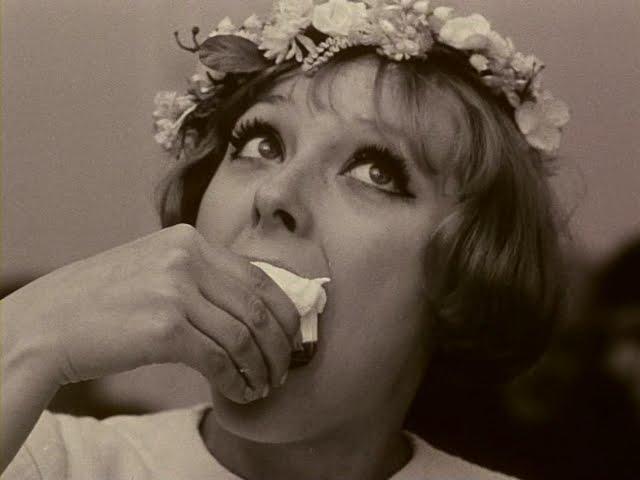 eb8db0ec9db4eca780eca688-sedmikrasky_daisies-1966-dvdrip-1