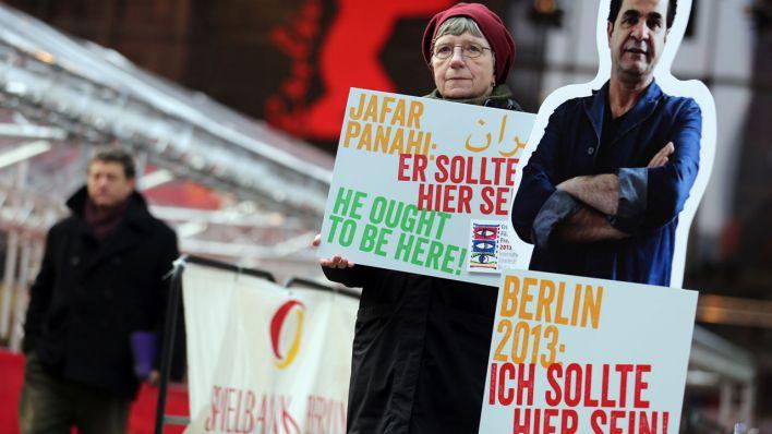 A Zárt függöny berlini premierjének napja